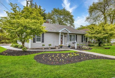 450 Pine Drive Brightwaters NY 11718