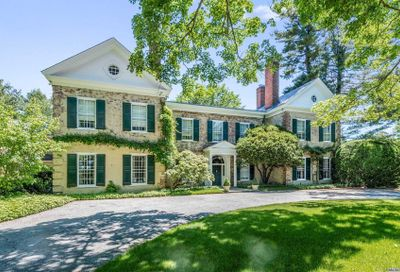 200 Sunset Road Oyster Bay Cove NY 11771