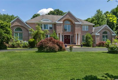 4 Winchester Drive Muttontown NY 11545