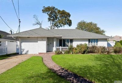 587 S Derby Drive Oceanside NY 11572