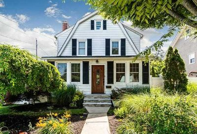 29 Clifford Place East Norwich NY 11732