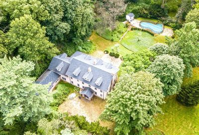 24 Wolver Hollow Road Upper Brookville NY 11545