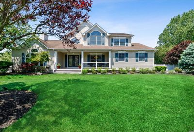 21 Skyhaven Dr E. Patchogue NY 11772