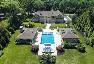 8 Wakefield Drive Muttontown NY 11545