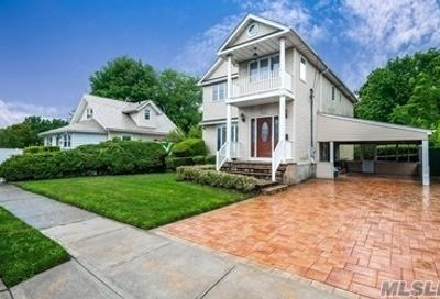 1816 Meadowbrook Road Merrick NY 11566