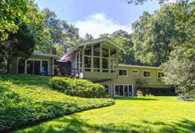 20 Tennis Court Road Cove Neck NY 11771