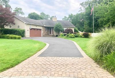 10 Pine Cone Court Moriches NY 11955