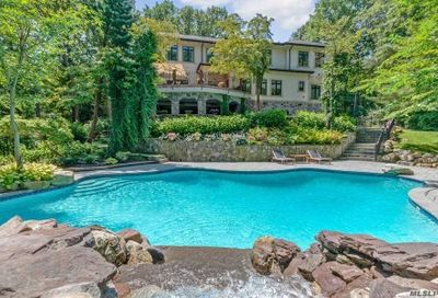 1978 Knollwood Road Muttontown NY 11791