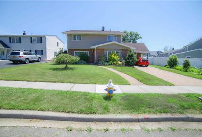184 Orchid Rd Levittown NY 11756
