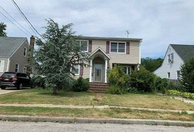 2328 Maple St Seaford NY 11783