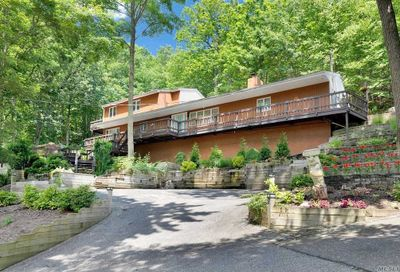 485 Harbor Road Cold Spring Hrbr NY 11724