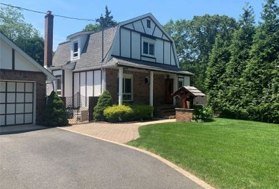 10 Cardiff Court Huntington Sta NY 11746