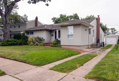1424 Hemlock Avenue East Meadow NY 11554