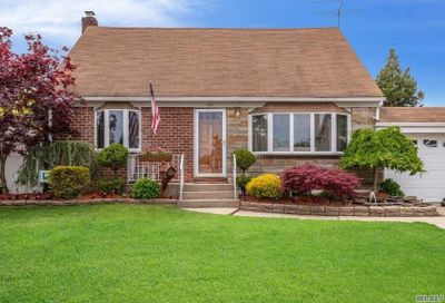 177 Margaret Dr East Meadow NY 11554
