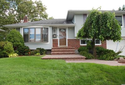 11 Eleanor Lane Plainview NY 11803