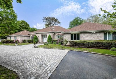 2 Mill Pond Ln Lattingtown NY 11560