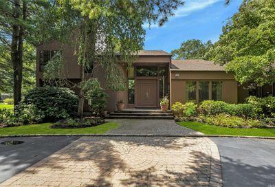 100 Rodeo Drive Oyster Bay Cove NY 11791
