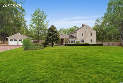 31 Evergreen Ave East Moriches NY 11940