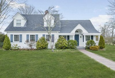 587 Montauk Highway East Moriches NY 11940