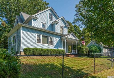 23 Walters Ave Cold Spring Hrbr NY 11724