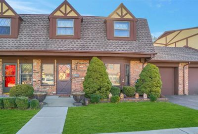 30 Summerfield Court Deer Park NY 11729