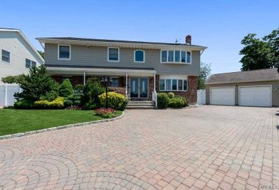 15 Country Court Farmingdale NY 11735