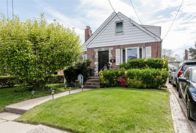 65 Liberty Blvd Valley Stream NY 11580