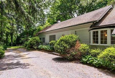 16 Horse Hollow Road Lattingtown NY 11560