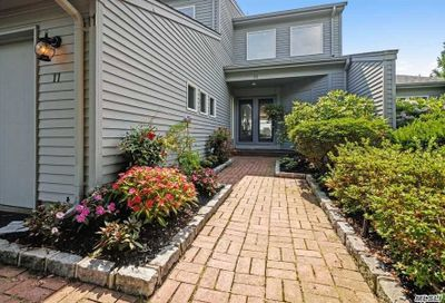 11 Harbour Drive Blue Point NY 11715