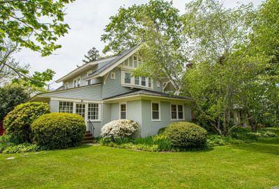 299 Windsor Ave Brightwaters NY 11718