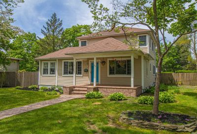 419 N Windsor Ave Brightwaters NY 11718
