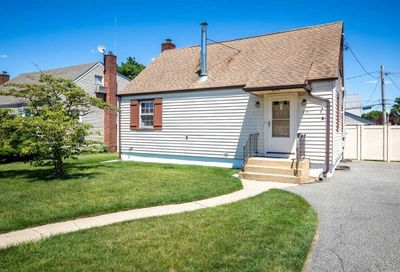 651 Lowell Road Uniondale NY 11553