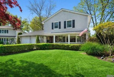89 S Brook Court Manhasset Hills NY 11040
