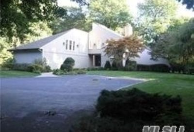 1 Tondan Lane Lattingtown NY 11560