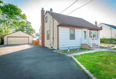 207 S Strong Ave Copiague NY 11726