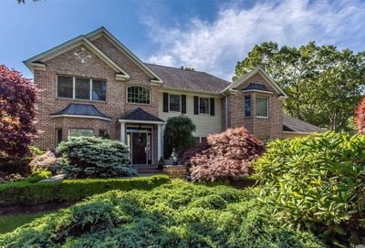 24 Woodhollow Road Great River NY 11739