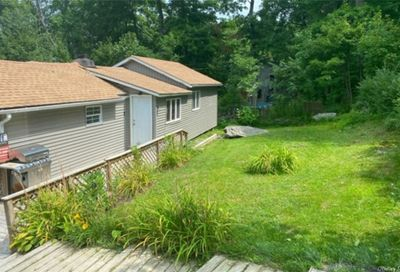 106 Arcadian Trail Blooming Grove NY 10950