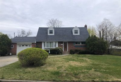 10 Stager Ln Commack NY 11725