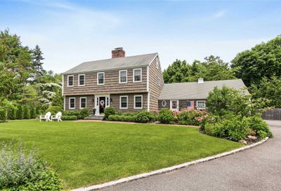 6 Meadow Place Lattingtown NY 11560