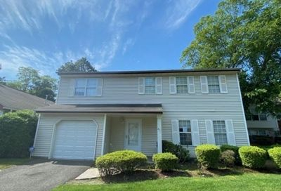 6 Turnberry Ct Middle Island NY 11953