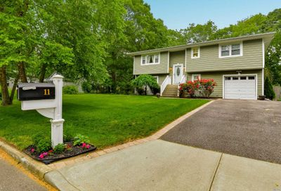 11 Central Woods Lane Brookhaven NY 11719