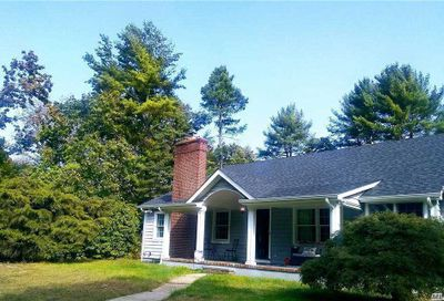 416 Cold Spring Road Laurel Hollow NY 11791