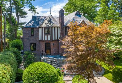 56 Rugby Road Manhasset NY 11030