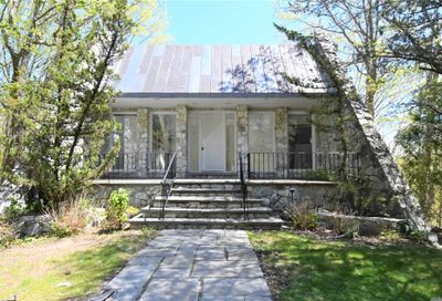 40 W View Drive Upper Brookville NY 11771