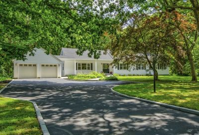 1101 Westminister Dix Hills NY 11746