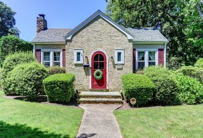487 Peters Boulevard Brightwaters NY 11718