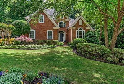 8545 Haven Wood Trail Roswell GA 30076