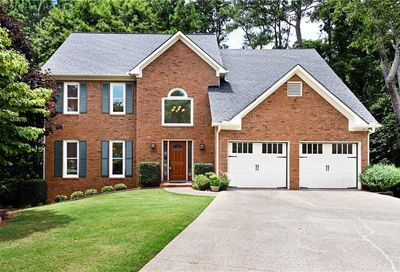 630 Estate Club Circle Roswell GA 30075