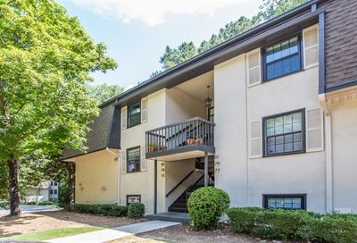 76 De Arc Place NW Atlanta GA 30327