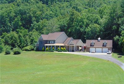 718 Hidden Lake Road Blairsville GA 30512
